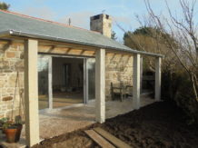 Stone faced timber frame extension
