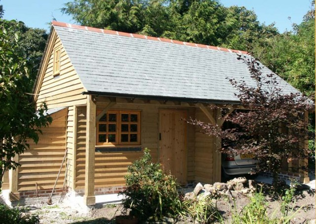 Garage And Workshop With Log Store Penzance Cornwal