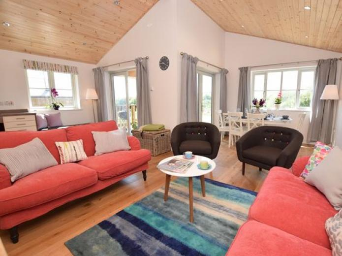 Tawney Owl Lodge, Holiday Cabin, Cornwall